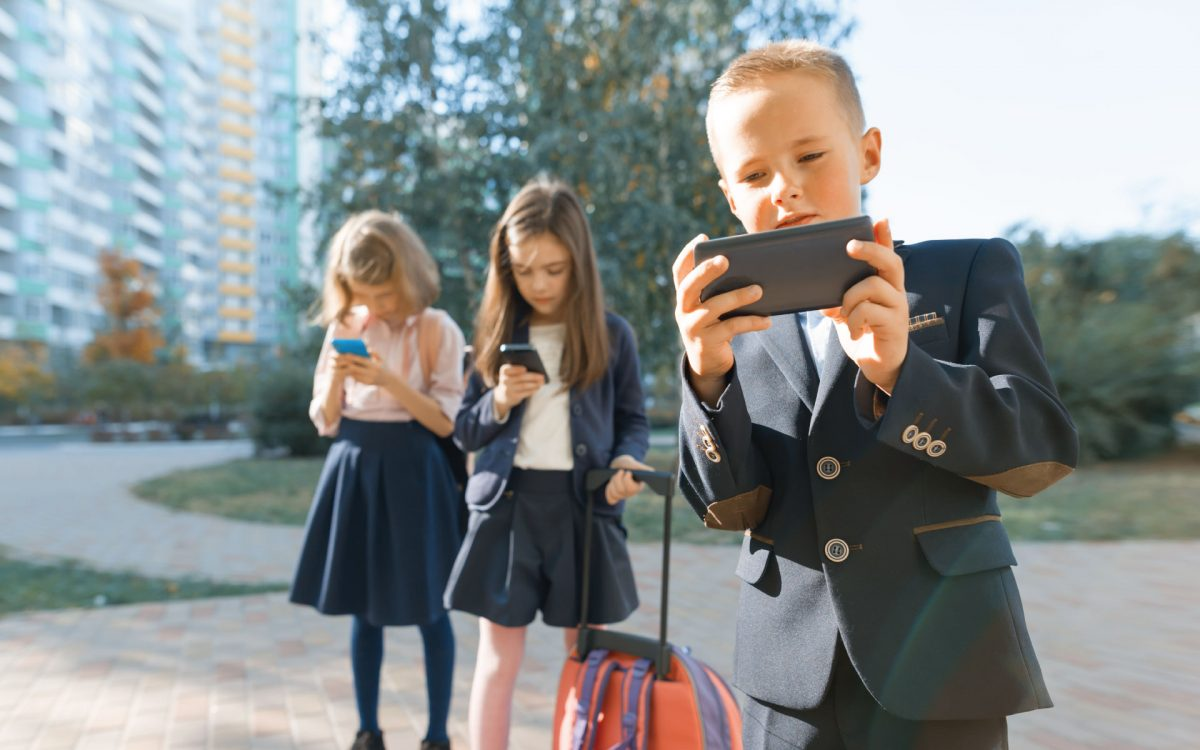 Jak oderwać dziecko od telefonu i komputera?